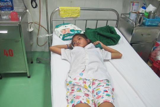 Bệnh viện mượn huyết thanh để cứu sống bé gái - 1