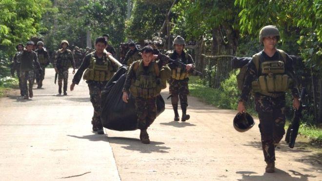 Đấu súng dữ dội, 12 lính Philippines bị khủng bố giết hại - 1