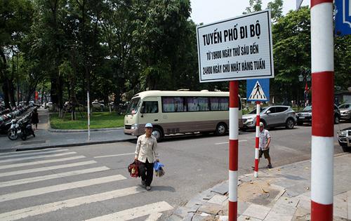 Gửi xe ở đâu để vào phố đi bộ quanh Hồ Gươm? - 1