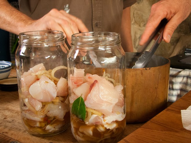 Cách làm hải sản muối ăn dần thơm ngon - 1