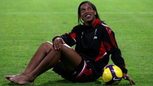 SAO Brazil thất thế: Ronaldinho, phù thủy mê chân dài (P4) - 3