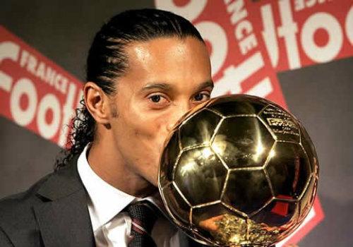 SAO Brazil thất thế: Ronaldinho, phù thủy mê chân dài (P4) - 4