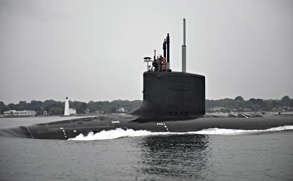 Hải quân Mỹ nhận tàu ngầm 2,7 tỉ đô của phu nhân Obama - 1