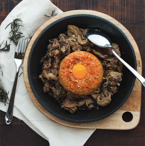 Sizzlin' Steak – Thịt nướng cao cấp trên đĩa đá nóng - 2