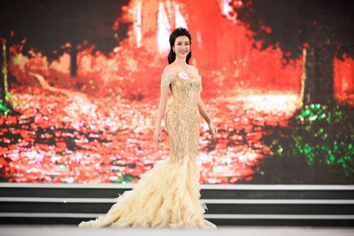"""Sự thật về chiếc váy """"đụng hàng"""" của hoa hậu Mỹ Linh - 4"""