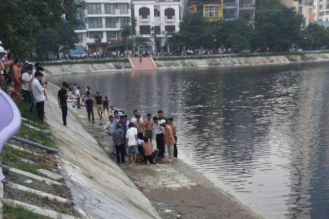HN: Nhân viên quán cà phê tử vong khi tắm hồ Ngọc Khánh - 1