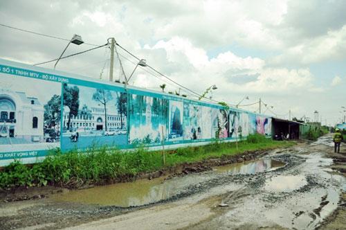 Kỳ lạ: Bệnh viện xây gần xong nhưng chưa có đường - 5