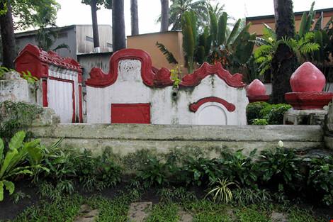 Kỳ bí khu mộ cổ hơn trăm năm trong công viên Tao Đàn - 11