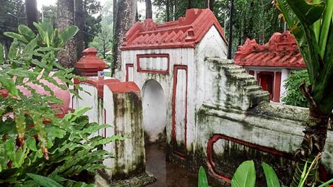Kỳ bí khu mộ cổ hơn trăm năm trong công viên Tao Đàn - 4