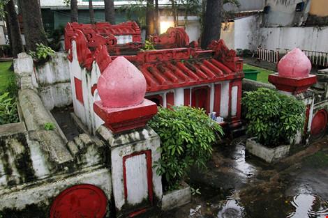 Kỳ bí khu mộ cổ hơn trăm năm trong công viên Tao Đàn - 7