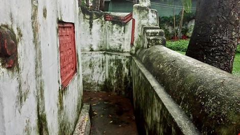 Kỳ bí khu mộ cổ hơn trăm năm trong công viên Tao Đàn - 8