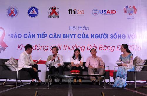 Đi tìm rào cản tiếp cận BHYT của người sống với HIV - 1