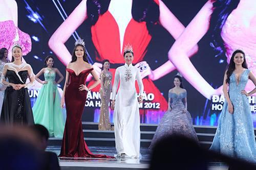 """Váy sexy đến """"nín thở"""" của Thùy Dung ở chung kết HHVN - 6"""