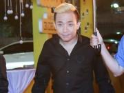 Vắng Hari Won, Trấn Thành lẻ loi xuất hiện giữa bão scandal