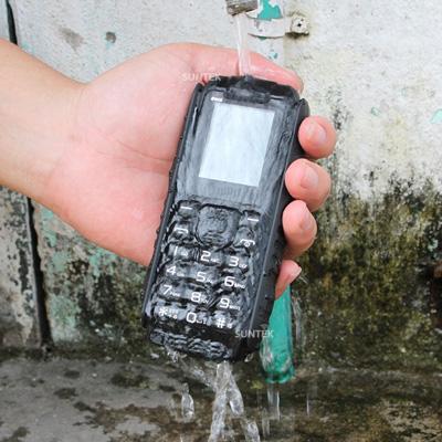 """Điện thoại chống nước, Pin dùng 20 ngày giá 599.000 """"mua 1 được 2"""" - 2"""