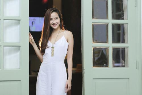 """HH Thu Hoài ký kết hợp đồng """"khủng"""" với Khánh Ngân The Face - 1"""