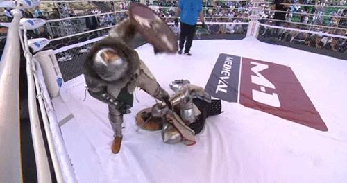MMA kiểu trung cổ: Cách hạ knock-out choáng váng - 1