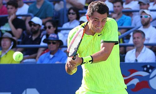 """""""Siêu quậy"""" tennis dọa nhét bóng vào mồm khán giả - 2"""