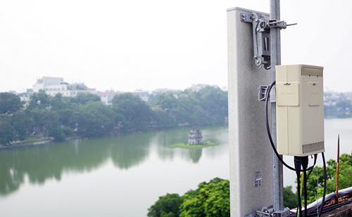 Trải nghiệm wifi miễn phí trên phố đi bộ quanh Hồ Gươm - 2