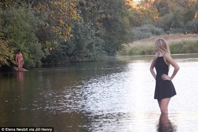 Mỹ: Nổi tiếng vì ảnh chân dung có người khỏa thân - 1