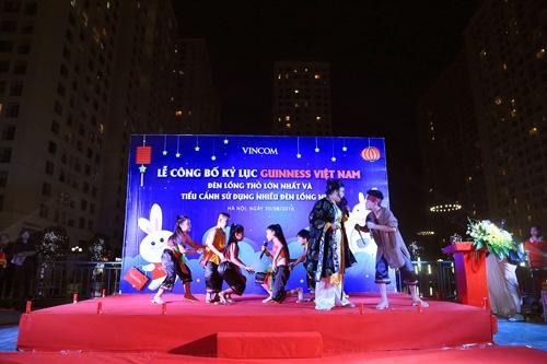 """Kỷ lục Guinness mùa Trung Thu 2016: Chính thức """"lên đèn"""" Thỏ Vincom - 4"""