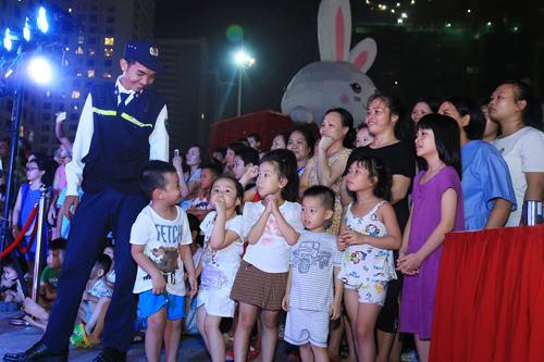 """Kỷ lục Guinness mùa Trung Thu 2016: Chính thức """"lên đèn"""" Thỏ Vincom - 5"""