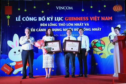 """Kỷ lục Guinness mùa Trung Thu 2016: Chính thức """"lên đèn"""" Thỏ Vincom - 1"""