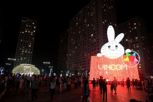 """Kỷ lục Guinness mùa Trung Thu 2016: Chính thức """"lên đèn"""" Thỏ Vincom - 6"""