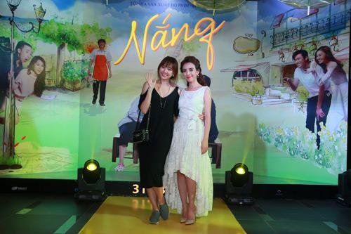 Hari Won một mình ra Hà Nội ủng hộ phim của bạn trai - 4