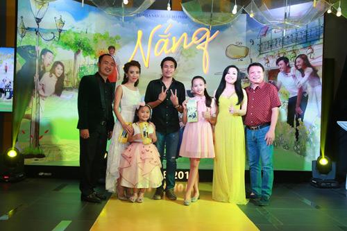 Hari Won một mình ra Hà Nội ủng hộ phim của bạn trai - 3