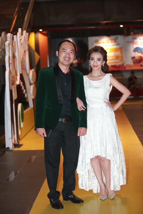 Hari Won một mình ra Hà Nội ủng hộ phim của bạn trai - 8