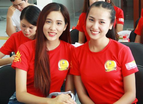 """Top 25 """"Hoa khôi sinh viên Hà Nội"""" thăm nhà máy Number 1 Hà Nam - 9"""