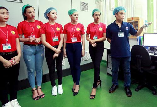 """Top 25 """"Hoa khôi sinh viên Hà Nội"""" thăm nhà máy Number 1 Hà Nam - 5"""