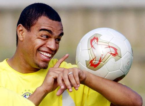 "SAO Brazil thất thế: Denilson - ""Bom tấn"" thế giới, ""bom xịt"" V-League (P2) - 2"