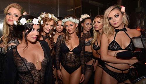 """Chị em """"sexy hết nấc"""" dự tiệc nội y nóng nhất nước Mỹ - 2"""