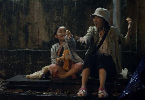 Xúc động với phim của Hoài Linh, Trấn Thành - 2