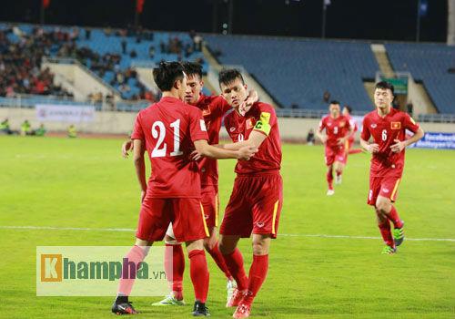 Công Vinh: Ai nói bóng đá Việt Nam xuống đáy? - 1