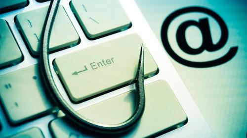 """Coi chừng email lừa đảo """"tặng"""" kèm mã độc! - 1"""