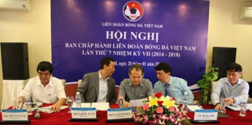 Liên đoàn bóng đá Việt Nam lại bị 'tấn công' - 1