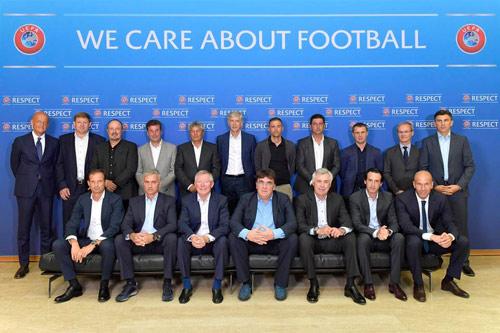 Hội nghị HLV UEFA đủ mặt anh tài trừ… Pep và Conte - 9