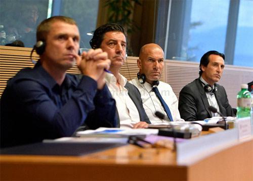 Hội nghị HLV UEFA đủ mặt anh tài trừ… Pep và Conte - 6
