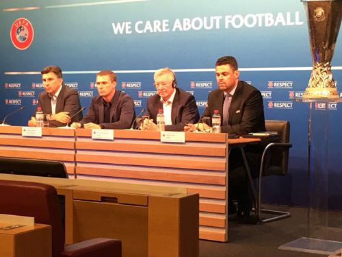Hội nghị HLV UEFA đủ mặt anh tài trừ… Pep và Conte - 8
