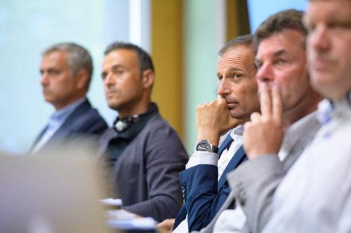Hội nghị HLV UEFA đủ mặt anh tài trừ… Pep và Conte - 7