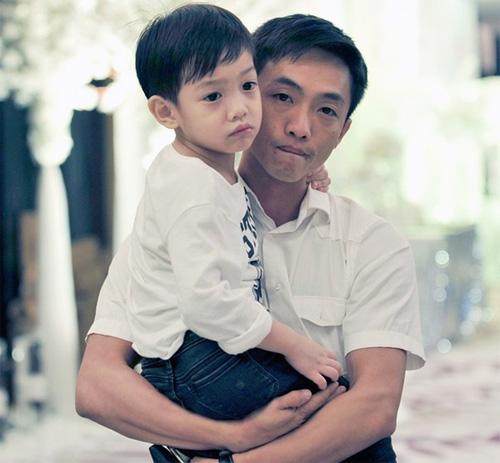 Con trai Hà Hồ trổ tiếng Anh gây sốt cộng đồng mạng - 1