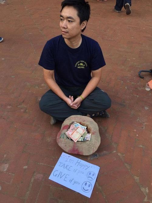 Chàng trai Việt giả ăn xin ở Nepal và bất ngờ xảy đến - 1