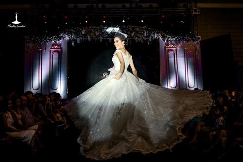 Bella Bridal tôn sự duyên dáng, quý phái của con gái Việt - 3