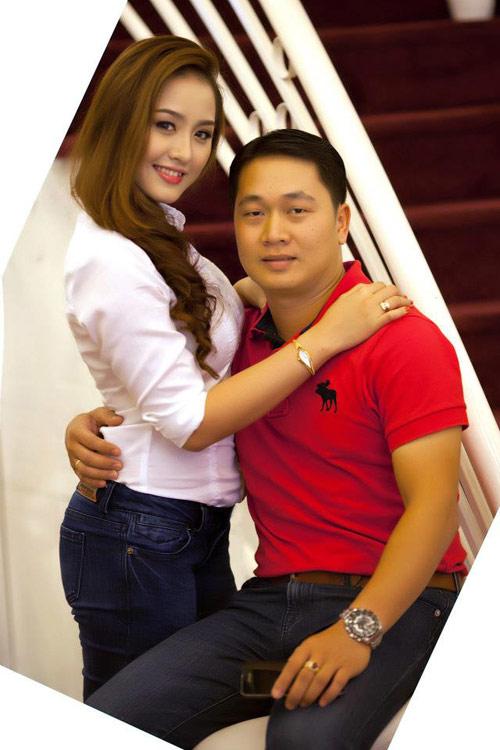 Cô vợ xinh đẹp Đà Nẵng được chồng tặng xe 7 tỷ - 3