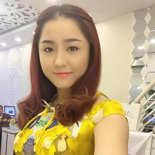 Cô vợ xinh đẹp Đà Nẵng được chồng tặng xe 7 tỷ - 9