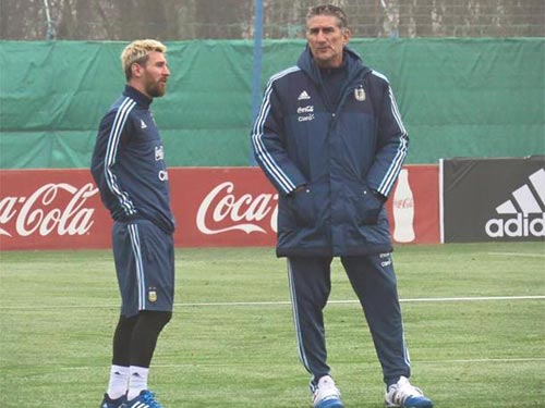 "Argentina – Uruguay: ""Hào khí"" từ Messi - 1"