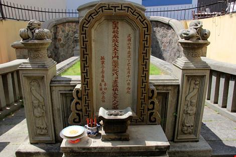 Choáng ngợp khu mộ cổ của bá hộ giàu nhất Sài Gòn xưa - 18